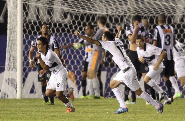 Pittoni celebra eufórico el 2-0 en el tiempo de descuento