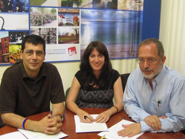 Bustos (I), Sánchez y Saravia (D)