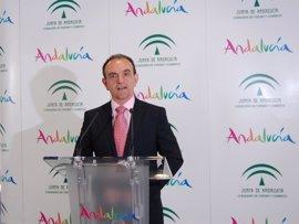 Rodríguez dice que a IU le interesarían ya elecciones en Andalucía, pero aboga por estabilidad que da el pacto con PSOE