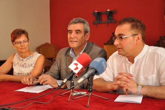Villarrubia en una rueda de prensa en Villalón de Campos (Valladolid)