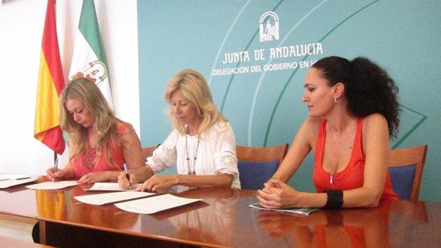 María José Rico y Rocío Cárdenas en Huelva.