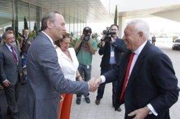 Alberto Fabra saluda a García-Margallo