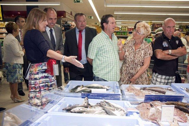 Diego en la inauguración del Mercadona de Laredo