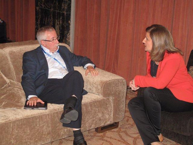 Ministra de Empleo, Fátima Báñez, y el secretario general de CC.OO., Toxo