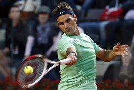Federer acaba con la resistencia de Hajek y se planta en cuartos de final