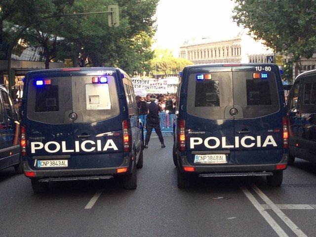 Concentración frente a la sede del PP de Madrid para exigir la dimisión de Rajoy