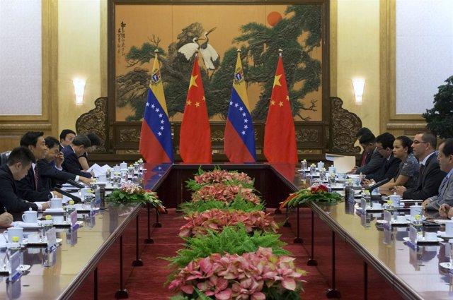 Vicepresidente de Venezuela Jorge Arreaza con presidente de China Xi Jinping