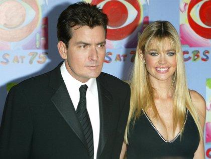 Ex de Charlie Sheen continuará con la custodia de los hijos del actor