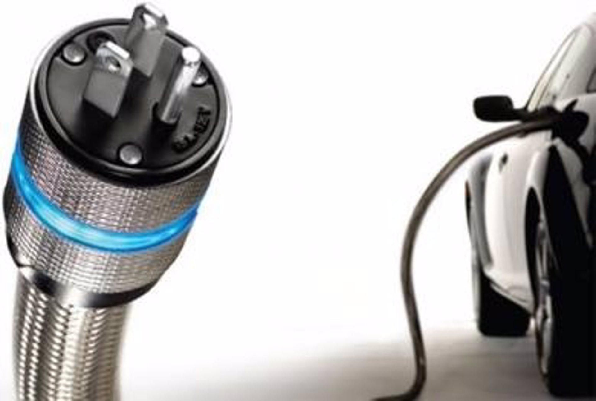 El mantenimiento de un coche eléctrico es tres veces más barato que el de un híbrido