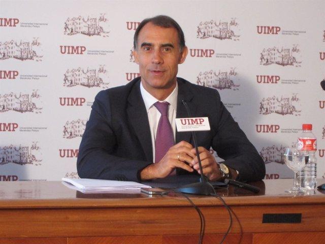 El director general del IMSERSO en la UIMP