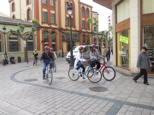 Ciclistas en Logroño