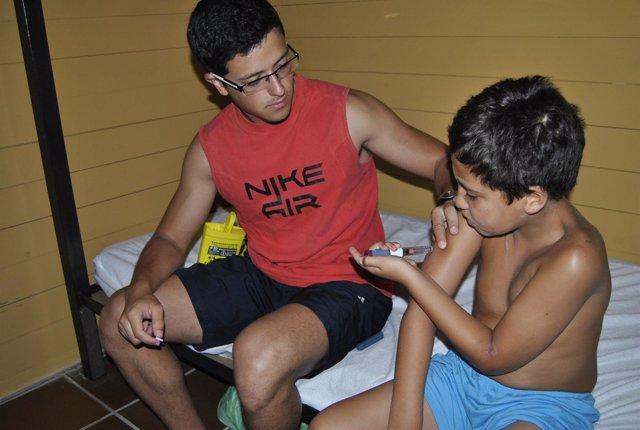 Niños diabéticos, inyección, campamento