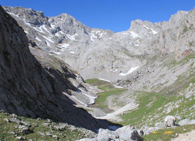 Lago Andara En El Parque De Picos De Europa