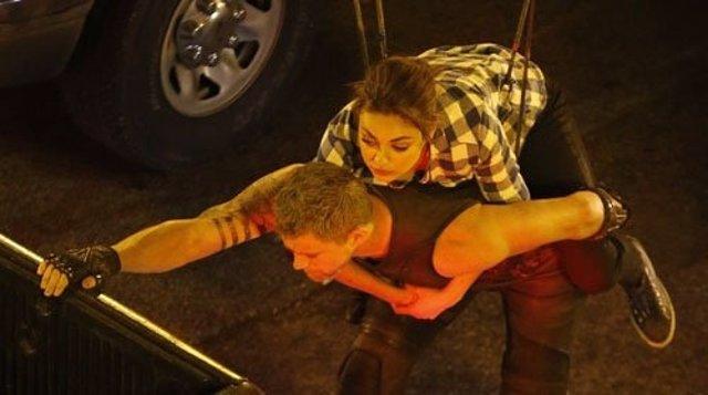 Mila Kunis y Channing Tatum en Jupiter Ascending