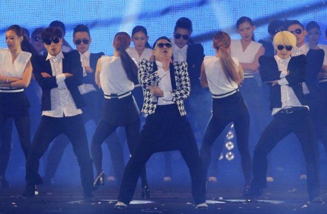Gentleman, Psy
