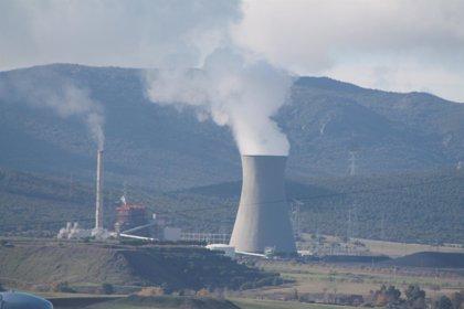 Casi el 50% de la energía consumida este julio proviene del carbono y la nuclear, según WWF