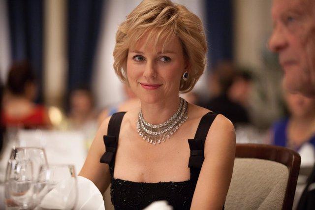 Naomi Watts como Diana de Gales en el biopic Diana