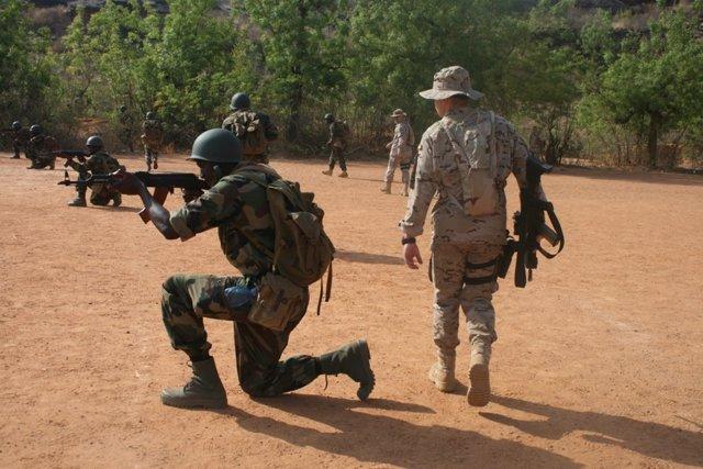 Militares españoles forman a militares malienses
