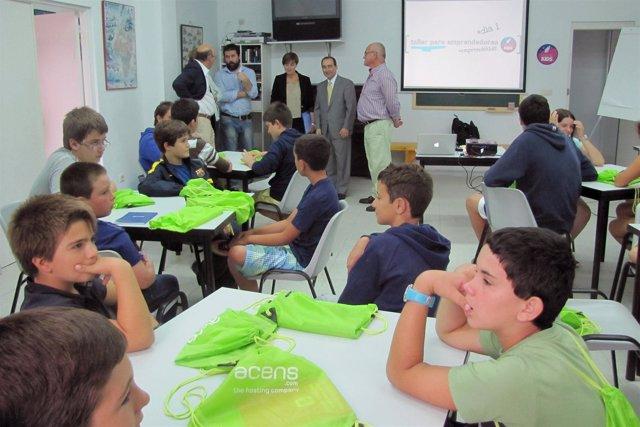 Serna inaugura el campus 'EmprendeKIDS'