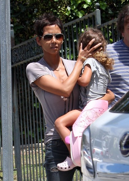 Las mamás famosas siguen con su cruzada anti-paparazzi en Hollywood