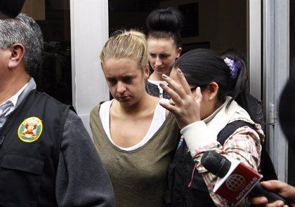 Perú.- Dos jóvenes británicas, acusadas formalmente en Perú por tráfico de drogas