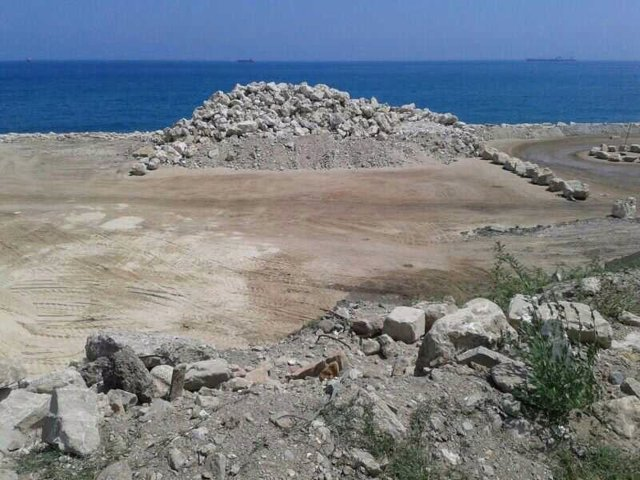 Arena para los rellenos del espigón en Gibraltar