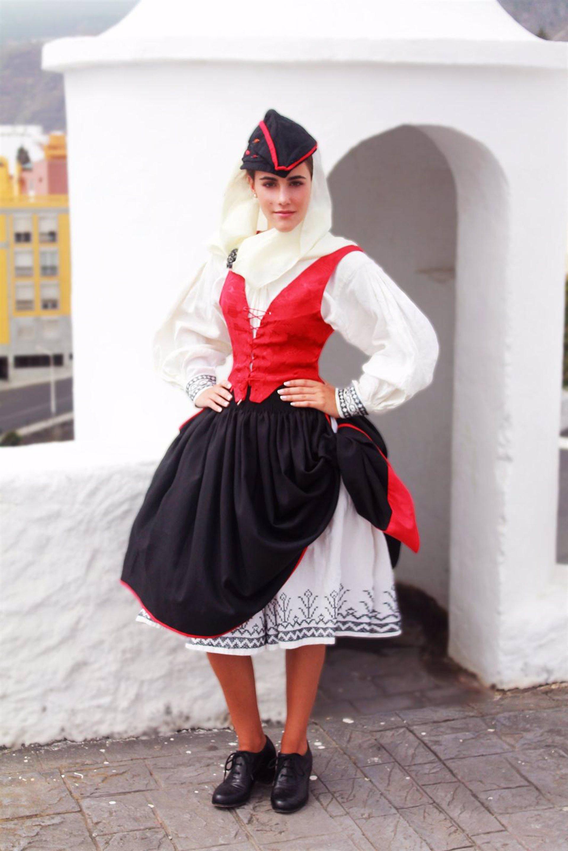 Una artesana propone reducir la falda y la enagua del for Entrantes tipicos franceses