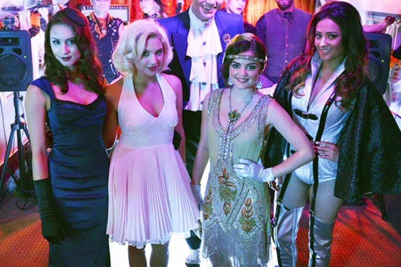 5f008bbc0a9 Primer avance del especial de Halloween de  Pretty Little Liars