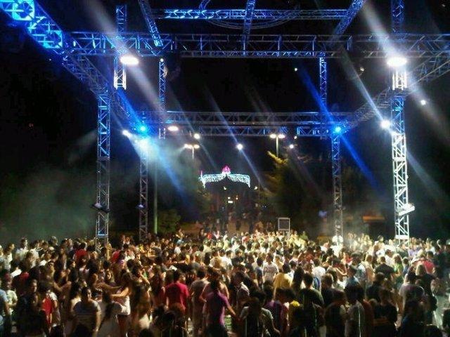 """Actuación de """"Sona la Dipu"""" en Gandia."""