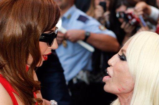 Lady Gaga le dedica una canción a Donatella Versace