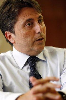 Manuel Cervera, en imagen de archivo de su etapa como conseller de Sanidad.