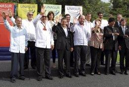 Los asistentes a la cumbre de líderes de la Unión de Naciones Suramericanas (UNA