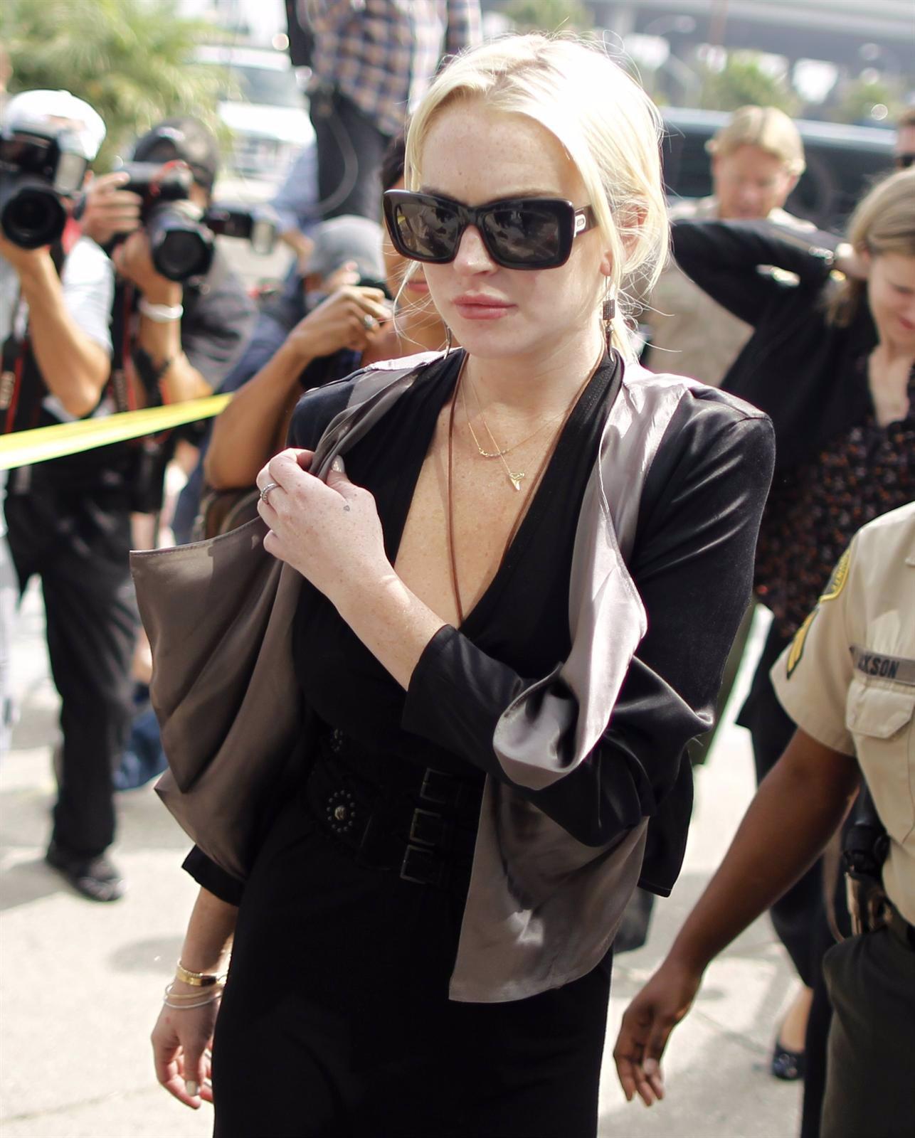 Lindsay Lohan Saliendo De Los Juzgados