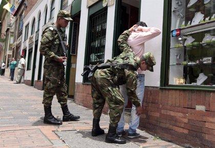 Detienen a 80 menores por vandalismo en protestas en Colombia