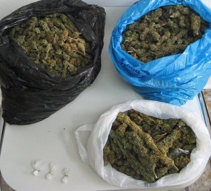 Policía intercepta una ambulancia con 6,5 kilos de marihuana