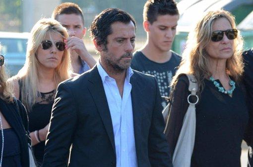 Quique Sánchez Flores en el funeral de su padre  Isidro Sánchez García-Figueras