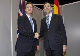 Cameron pide un encuentro bilateral con el presidente del Gobierno