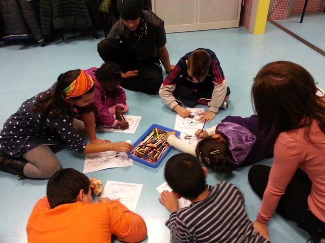 Niños, en una de las actividades del centro