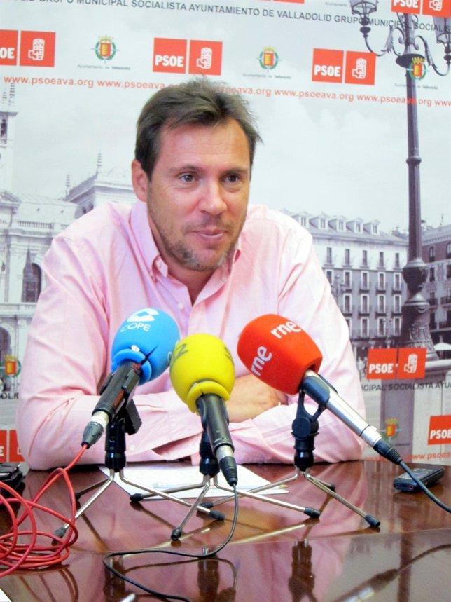 Óscar Puente informa de la situación de Unión Duero.