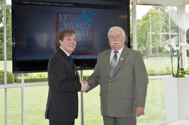 Jeff Guyton (izquierda)