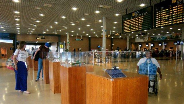 Muestra de 26 maquetas de aviones históricos en el Aeropuerto de Reus
