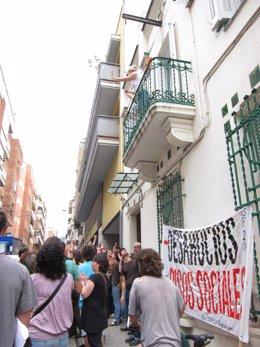 Paralizado Un Deshaucio En El Número 56 De La Calle Alegre De Dalt