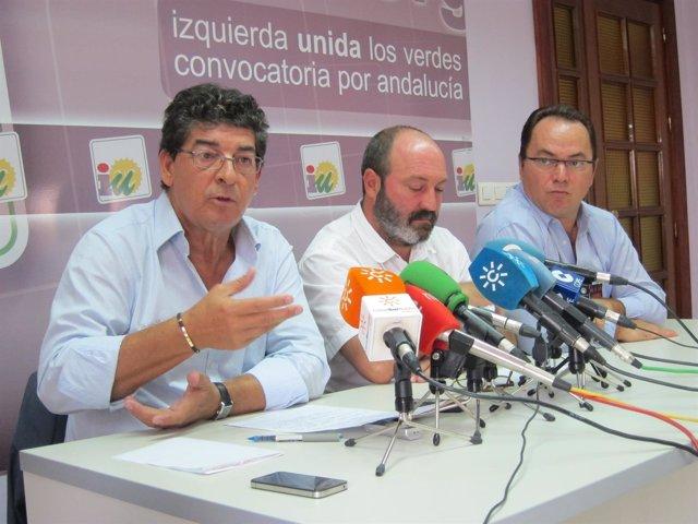 El vicepresidente en funciones de la Junta, Diego Valderas, en rueda de prensa.