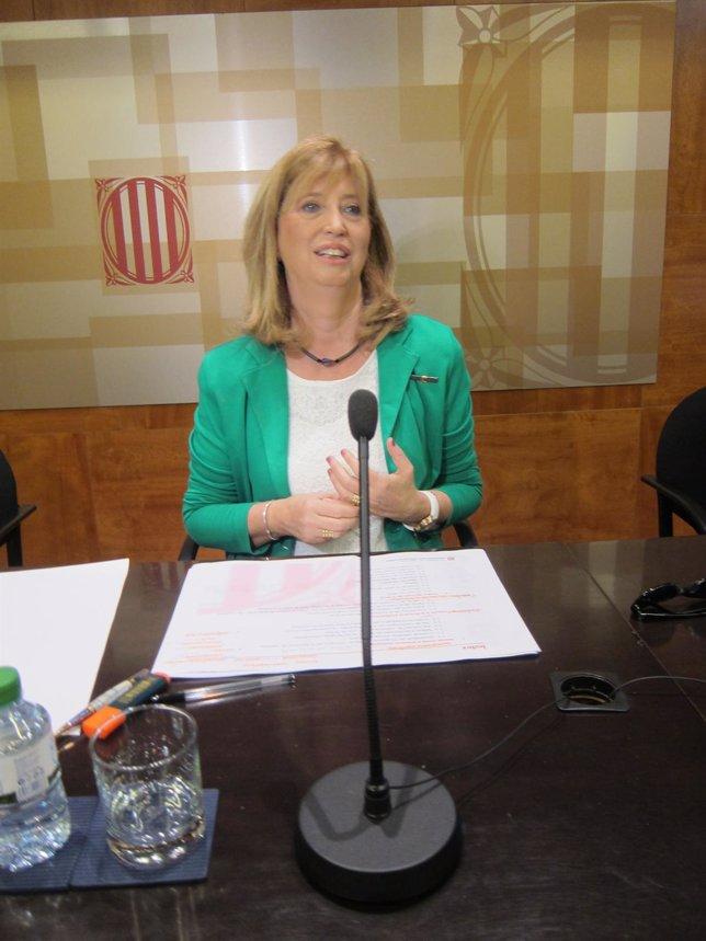 La consellera de Educación Irene Rigau en rueda de prensa