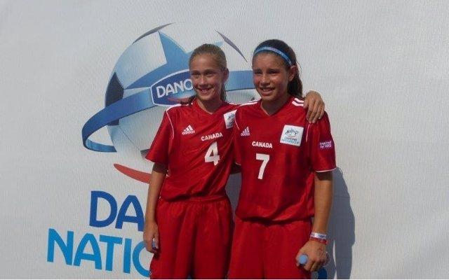 Jessica y Emily, únicas jugadoras femeninas de la DNC