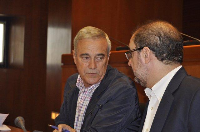 El secretario general del PSOE-Aragón, Javier Lambán, y el portavoz, Javier Sada