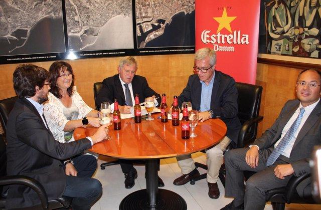 Ballesteros y Crous en la firma del acuerdo de patrocinio de Estrella Damm