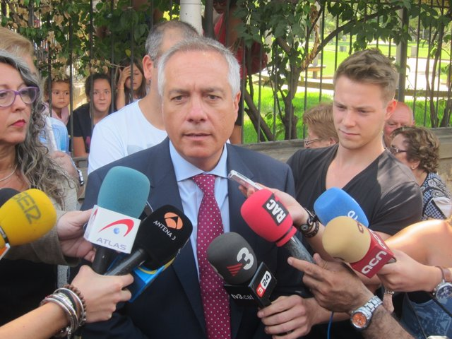Declaraciones del líder del PSC, Pere Navarro, en Sant Feliu