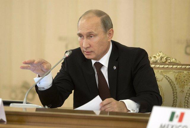 El presidente ruso, Vladimir Putin, inaugurando la primera sesión de la cumbre d