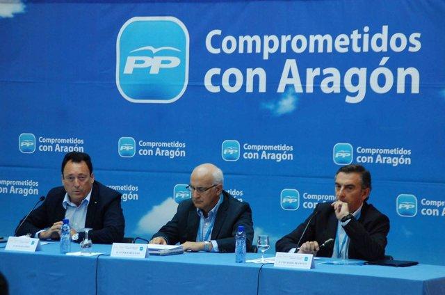 Octavio López, Javier Zarzalejos (FAES)  y Beamonte